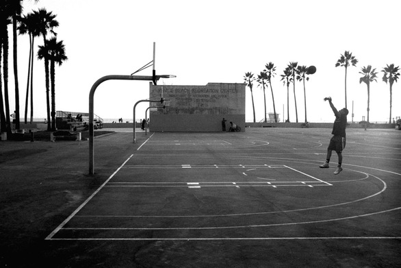 Street basketball στην Πάτρα: Η άγρια ομορφιά του μπάσκετ, στον Μόλο!