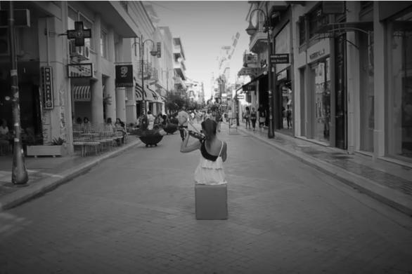 Ένα υπέροχο βίντεο από διάφορα σημεία της Πάτρας, γεμάτο νότες και μουσική