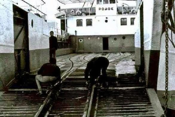 Ρετρό: Πάτρα - Αγρίνιο με τρένο και φέρι μποτ (pics)