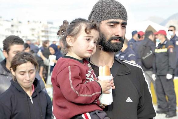 Εννιά τόνοι τροφίμων και είδη ρουχισμού συγκεντρώθηκαν για τους πρόσφυγες