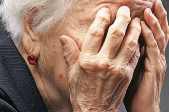 40χρονη έκανε τη... λογίστρια και εξαπάτησε ηλικιωμένη