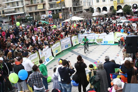 Πάτρα: Έτοιμοι για ορθοπεταλιές οι μικροί ποδηλάτες του Baby Rally