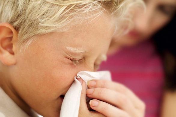 Όλα όσα πρέπει να ξέρετε για τις παιδικές αλλεργίες την Άνοιξη