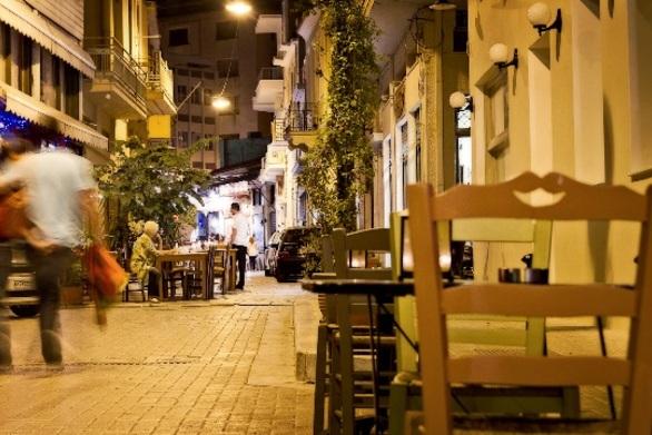 Like » Ενδιαφέροντα Στην Αθήνα βγαίνουν χρόνια στου Ψυρρή, στην Πάτρα έχουμε μια παρόμοια,