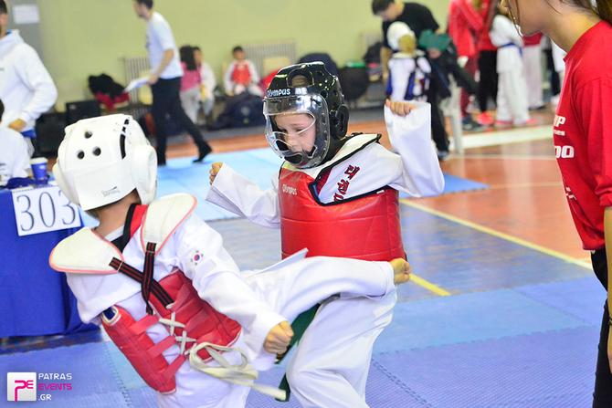 3d Friendship Game Taekwondo στο κλειστό στάδιο των Ροϊτίκων  22-11-15 Part 1/2