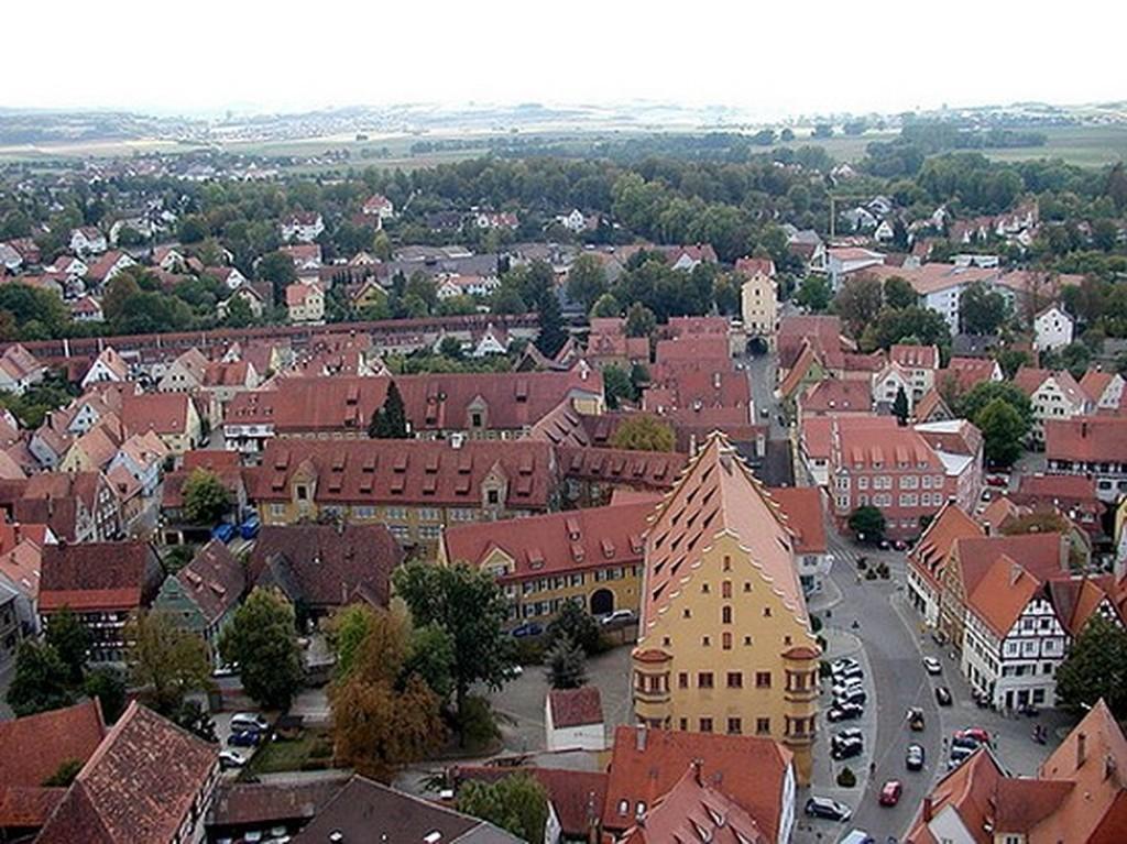 Nordlingen: Μία πόλη πάνω σε κρατήρα μετεωρίτη (pics+video) - Patras Events