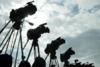 Πάτρα: Ξένα τηλεοπτικά συνεργεία 'στήνονται' έξω από τις τράπεζες και τα ΑΤΜ