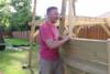 Έφτιαξε ειδική κούνια 1000 δολαρίων για την ανάπηρη κόρη του! (pics+video)