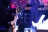 Νύφη άφησε άφωνο τον σύζυγό της με την έκπληξη που του είχε ετοιμάσει (video)