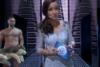 Ολόγυμνος εμφανίστηκε ο παρουσιαστής της Eurovision (pic+video)