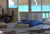 Πάτρα: Άνθρωπος κοιμάται ανάμεσα σε σκουπίδια και ποντίκια - Δείτε εικόνες