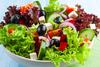 10 tips που θα απογειώσουν γευστικά τη σαλάτα σου!