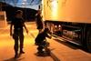 Πάτρα: Μετέφεραν μετανάστες με προορισμό την Ιταλία και τους άφησαν... κλεισμένους στο φορτηγό!