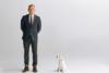 Ο Daniel Craig, γλυκά σκυλάκια και μία Άστον Μάρτιν σε νέα φιλανθρωπική καμπάνια (video)