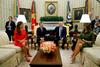 Η Μελάνια Τραμπ εντυπωσίασε με το στρατιωτικό λουκ των 5.000 δολαρίων (pics)