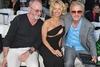 Το ντεκολτέ της Pamela Anderson «άναψε φωτιές»! (pics)