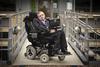 Έκκληση του Στίβεν Χόκινγκ: «Φτιάξτε βάσεις στη Σελήνη και στον Άρη»