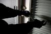 Πάτρα: Το μπαράζ κλοπών συνεχίζεται - Πήραν 20.000 ευρώ από διαμέρισμα με το 'καλημέρα'