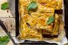 Φτιάξτε κιμαδόπιτα με μπεσαμέλ