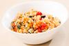 Μαγειρέψτε ρύζι με κολοκυθάκια και μελιτζάνες