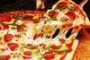 Πίτσα - Γιατί ενώ είναι στρογγυλή έχει πάντα τετράγωνο κουτί;