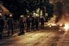 Δύσκολη νύχτα στην Πάτρα - Σε τρία μέτωπα η ΕΛ.ΑΣ. για τον φόβο επεισοδίων