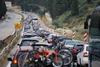 Χιλιάδες αμάξια αναχωρούν από την Πάτρα - Κορυφώνεται η έξοδος των εκδρομέων του Πάσχα