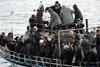 Δυτική Ελλάδα: 64 πρόσφυγες ταξίδευαν με σκάφη στην Ιταλία - Τρεις Ουκρανοί οι διακινητές