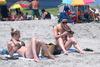 Πρόστιμο σε όποιον καπνίζει στις παραλίες σε Ισπανία, Γαλλία και Ιταλία