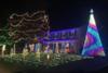 ΗΠΑ: Μία ολόκληρη πόλη γιορτάζει πρόωρα τα Χριστούγεννα για χάρη άρρωστου παιδιού (pics)