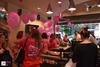 'Ντύθηκε' στα ροζ το Coffee Island της Γούναρη (φωτο)