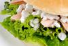 Σάντουιτς με ψωμί ντίνκελ, κοτόπουλο και cottage cheese