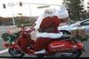 Οι βεσπάκηδες της Πάτρας ντύνονται και φέτος Αϊ Βασίληδες και κάνουν Charity Ride