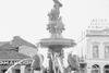 Πάτρα 1963 - Φωτογραφικός φακός 'αιχμαλωτίζει' το συντριβάνι της πλατείας Γεωργίου!