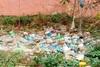 Οικόπεδο στο κέντρο της Πάτρας έχει μετατραπεί σε σκουπιδότοπο (pics)