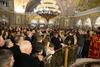 Πάτρα: Γέμισαν από πιστούς οι εκκλησίες στη Θεία Λειτουργία των Χριστουγέννων