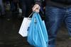 Βρετανία - Διπλάσιο το περιβαλλοντικό τέλος στις πλαστικές σακούλες