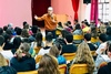 Aιγιαλεία: Ο Άγγελος Τσιγκρής στο Γυμνάσιο των Καμαρών (φωτο)