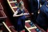 Η Άννα Ευθυμίου έκλεψε την παράσταση στα έδρανα της Βουλής