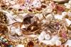 Αχαΐα: Ανήλικη αφαίρεσε κοσμήματα από οικία