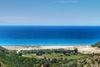Γιαννισκάρι - Η παραλία της Αχαΐας που έγινε ο παράδεισος των 'εναλλακτικών'