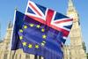 Bloomberg: Τα δύο τηλεφωνήματα που οδήγησαν στη συμφωνία για το Brexit