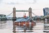 Λονδίνο: Στέλνουν SOS για την κλιματική αλλαγή βυθίζοντας σπίτι στον Τάμεση (video)