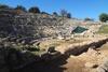 Αίγιο - Στόχος βανδάλων το αρχαίο θέατρο της Αιγείρας