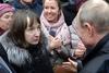 Ρωσία - Γυναίκα έφερε σε αμηχανία τον Πούτιν