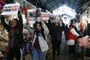 Θεσσαλονίκη - Παρέμβαση Vegetarian ακτιβιστών στον εορτασμό της Τσικνοπέμπτης