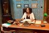 Άγριες Μέλισσες - Η Άντζελα Δημητρίου στο... γραφείο του Δούκα!