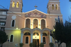 Πάτρα: Πιστοί συγκεντρώθηκαν το πρωί στην εκκλησία της Αγίας Τριάδας