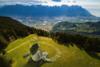 'Πέρα από την κρίση': Ένα γκράφιτι για τον κορωνοϊό στις Άλπεις