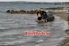 Κόρινθος: Αυτοκίνητο... έφυγε από το πάρκινγκ και έπεσε στη θάλασσα (video)